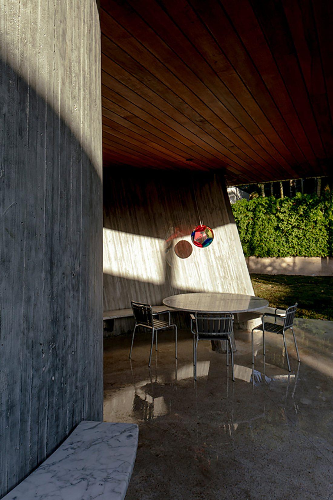 Дом Sun Path House в солнечном Майами Бич, США по проекту Christian Wassmann 11