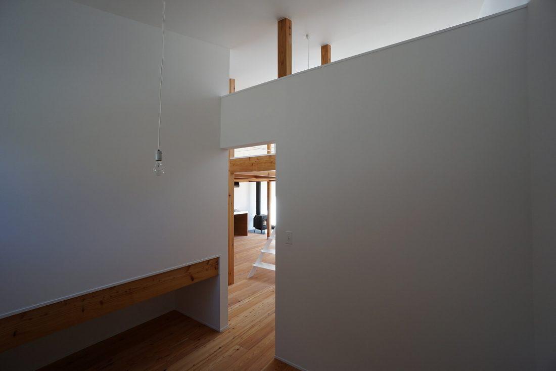 Дом под названием Pettanco в Японии от студии Yuji Tanabe Architects 18