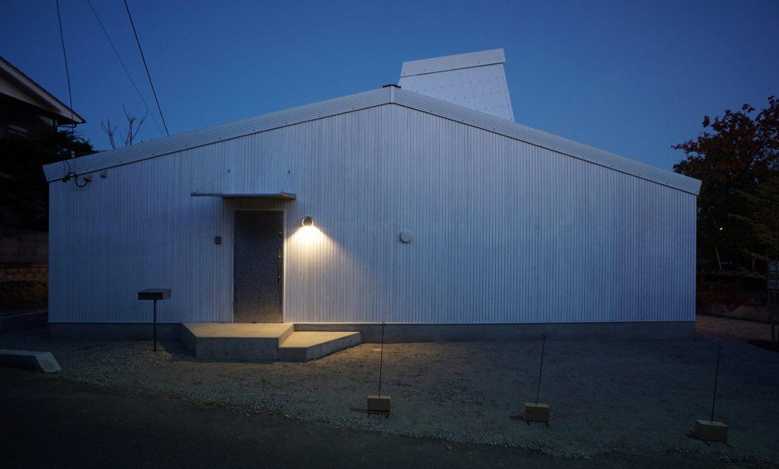 Дом под названием Pettanco в Японии от студии Yuji Tanabe Architects 26