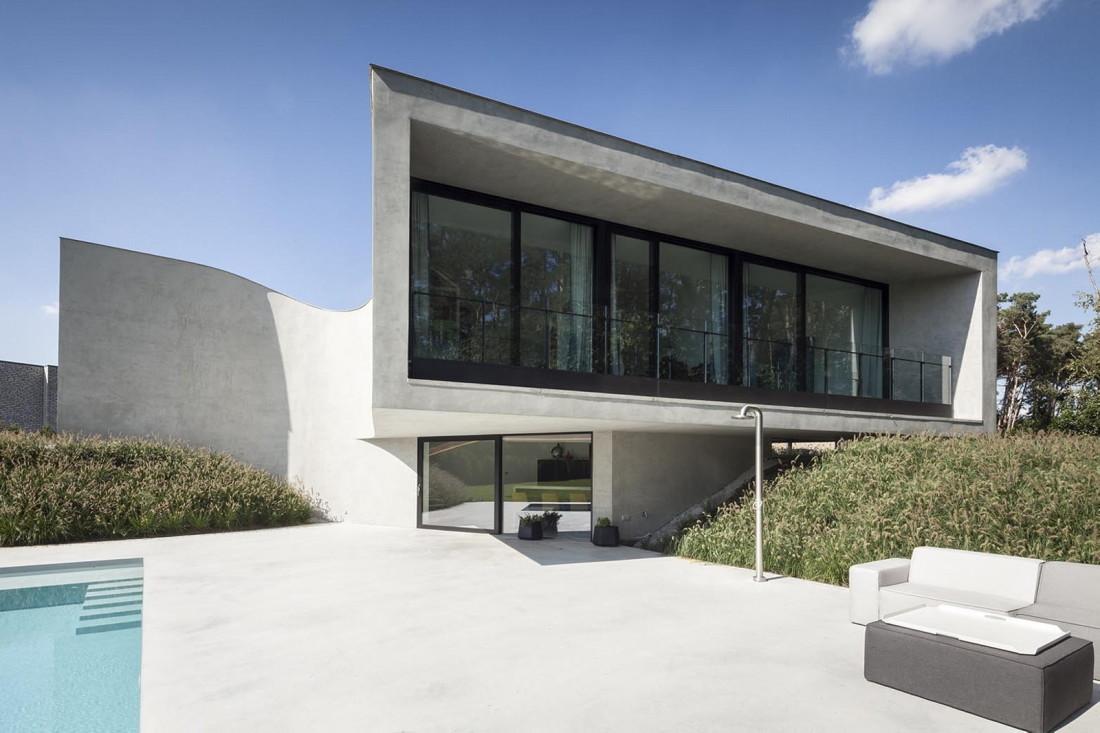 Футуристический дизайн виллы MQ в Бельгии от архитектурной студии Office O 10