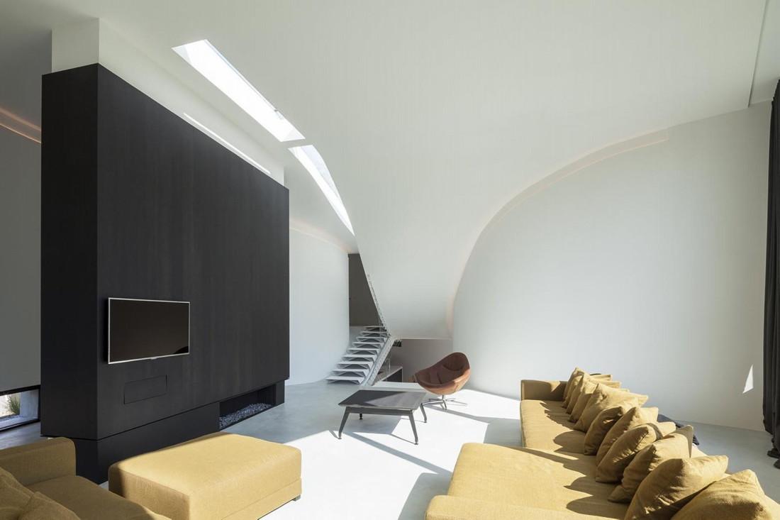 Футуристический дизайн виллы MQ в Бельгии от архитектурной студии Office O 12