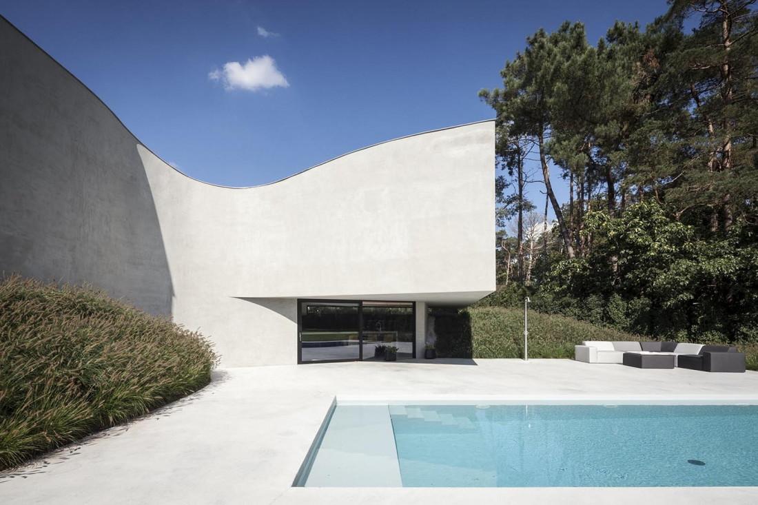Футуристический дизайн виллы MQ в Бельгии от архитектурной студии Office O 2