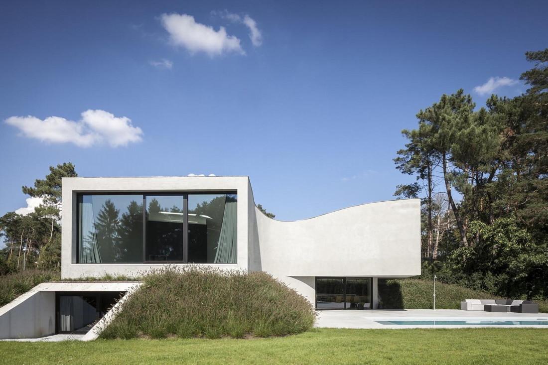 Футуристический дизайн виллы MQ в Бельгии от архитектурной студии Office O 3