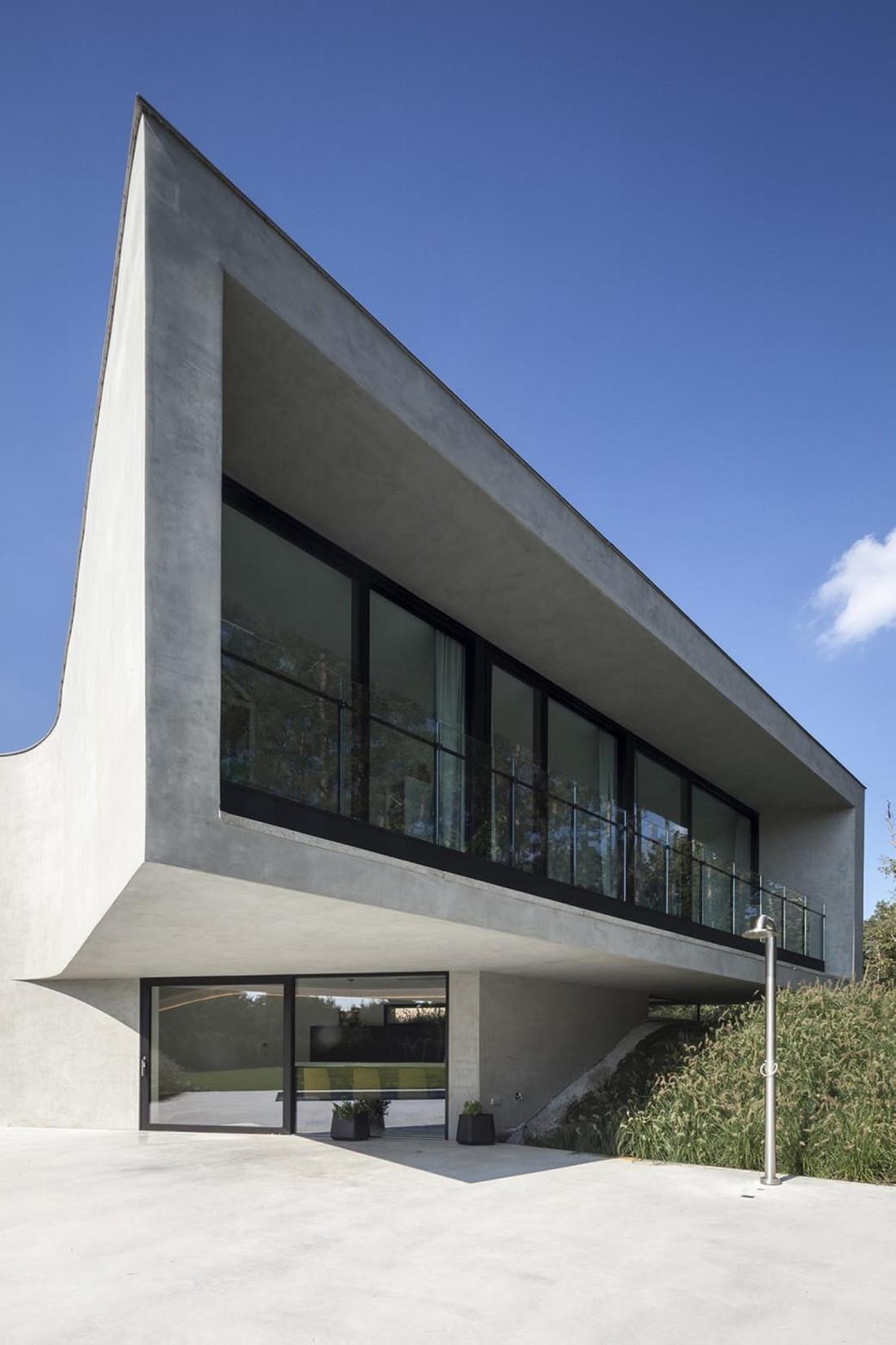 Футуристический дизайн виллы MQ в Бельгии от архитектурной студии Office O 9
