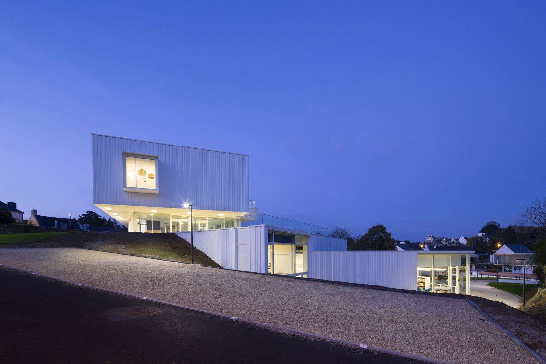 Культурный центр в Baud, Франция, от Studio 02 фото 9