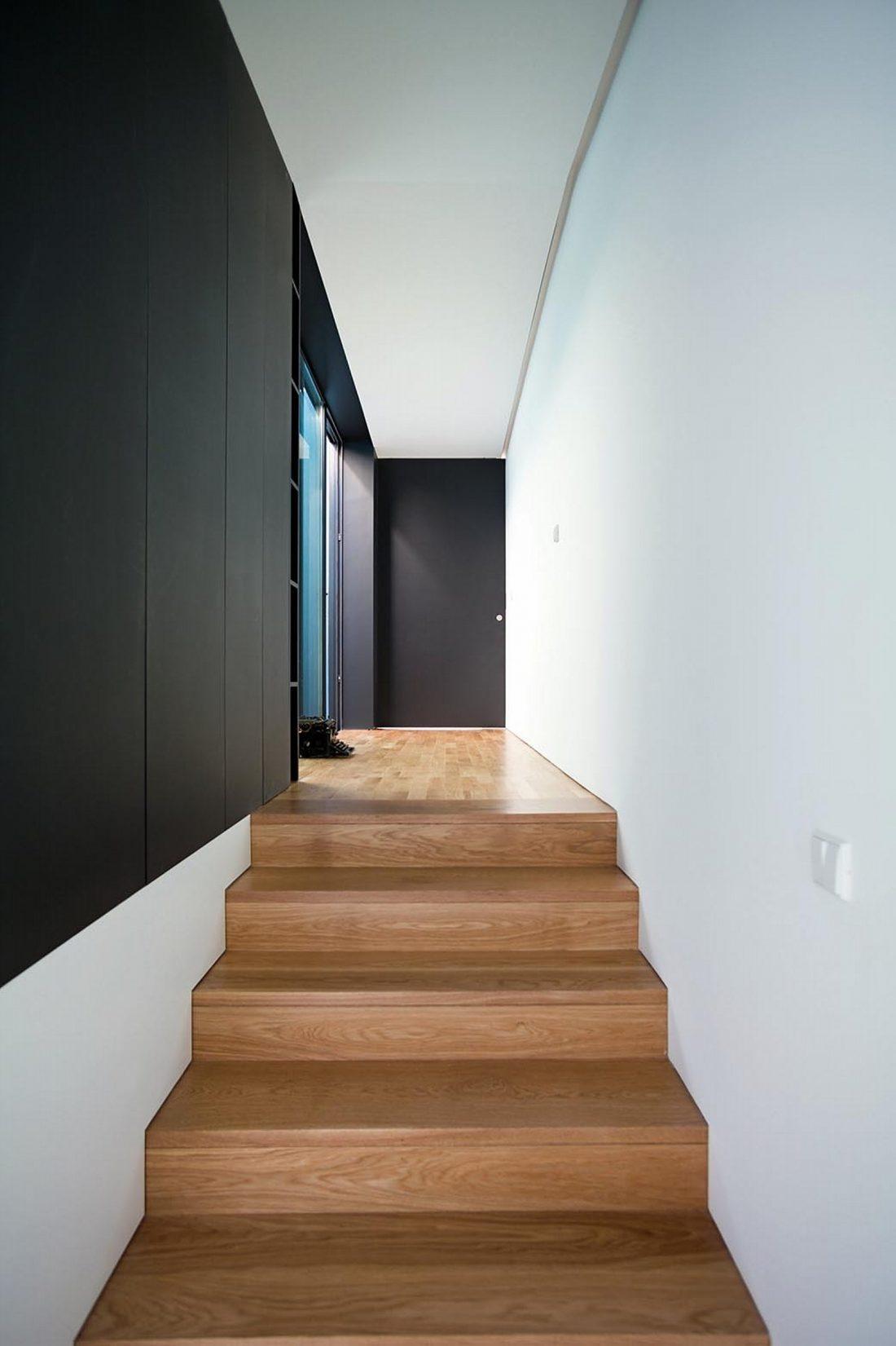 Реконструкция старинного дома Bonjardim House в Португалии по проекту ATKA arquitectos 20