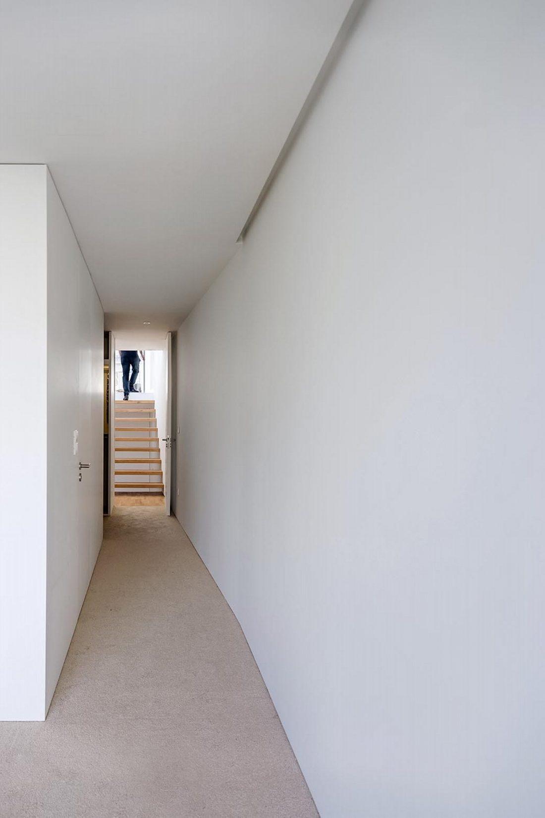 Реконструкция старинного дома Bonjardim House в Португалии по проекту ATKA arquitectos 29
