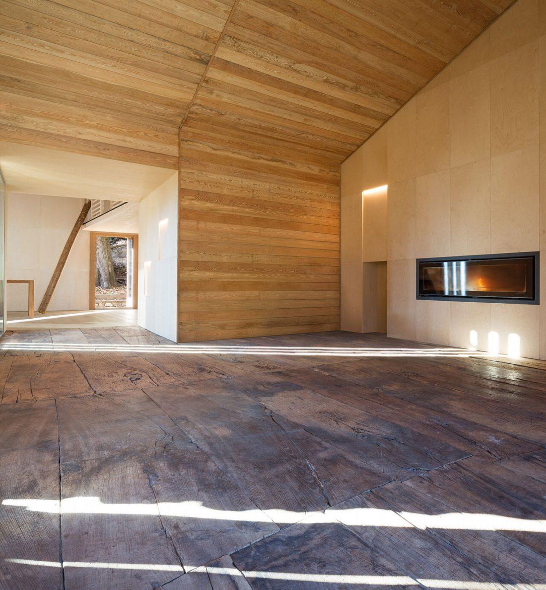 Реставрация старинного дома 16 века в Швейцарии по проекту Vudafieri Saverino Partners 14