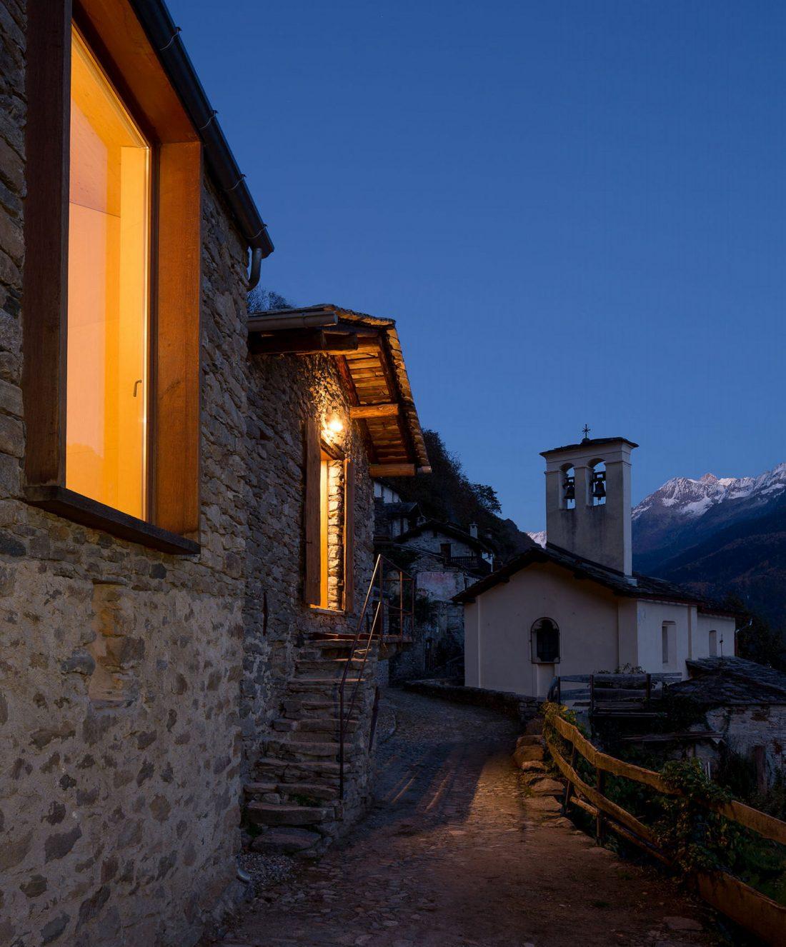 Реставрация старинного дома 16 века в Швейцарии по проекту Vudafieri Saverino Partners 3