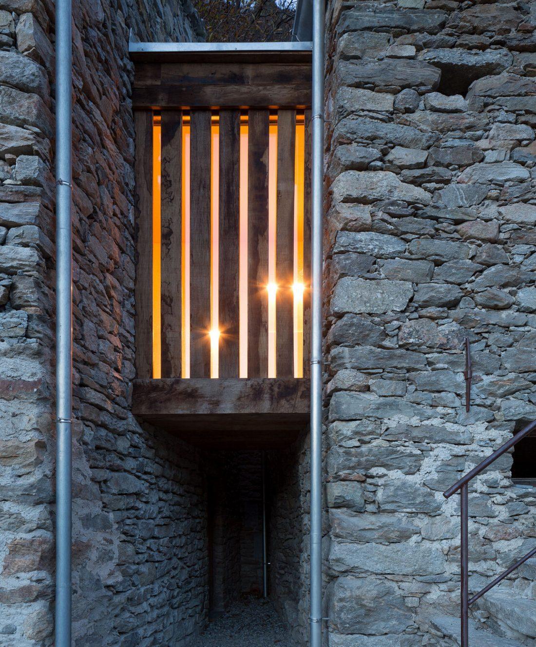 Реставрация старинного дома 16 века в Швейцарии по проекту Vudafieri Saverino Partners 5