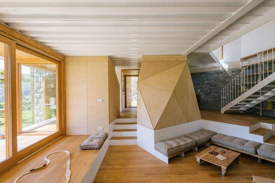 Современная резиденция Casa Tmolo из старой конюшни от студии PYO Arquitectos 10