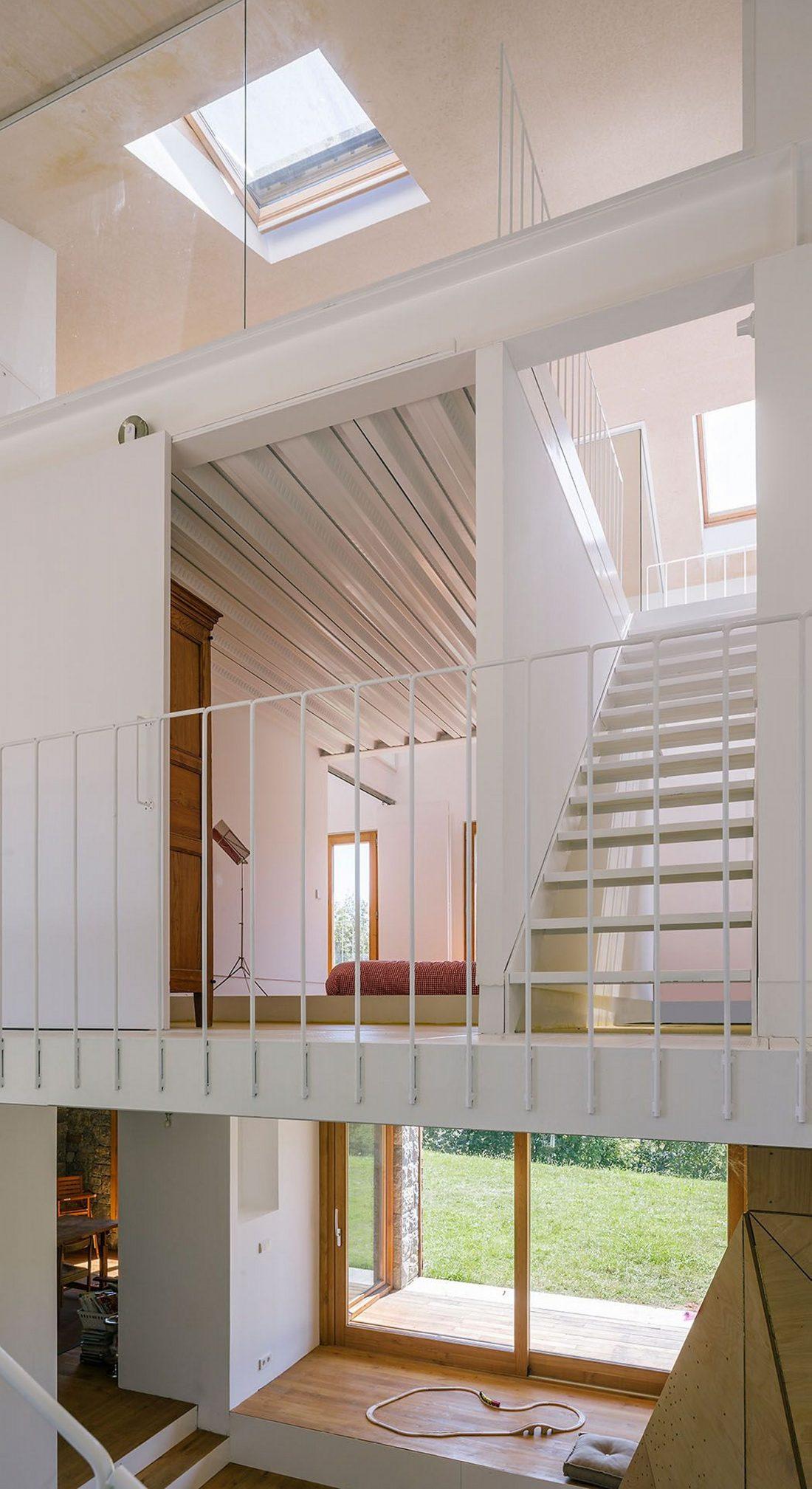 Современная резиденция Casa Tmolo из старой конюшни от студии PYO Arquitectos 14