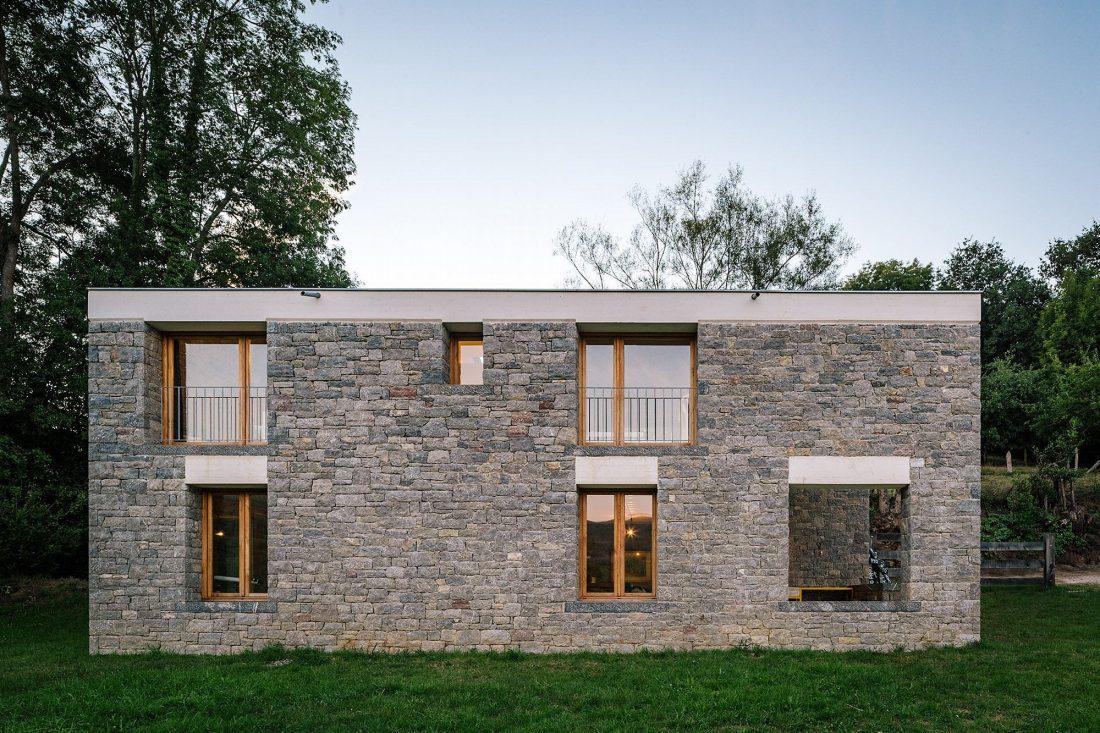 Современная резиденция Casa Tmolo из старой конюшни от студии PYO Arquitectos 4