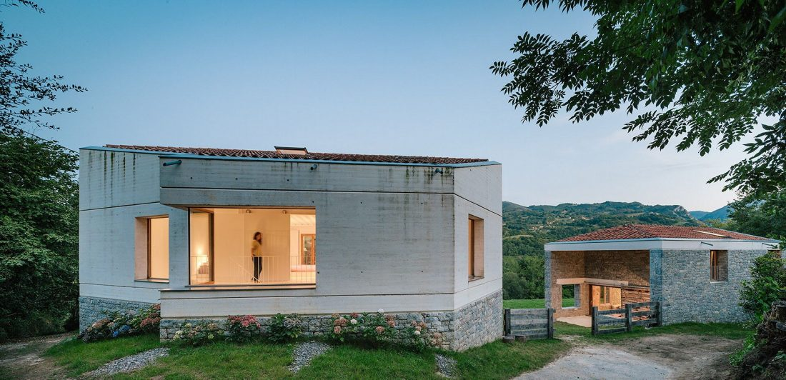 Современная резиденция Casa Tmolo из старой конюшни от студии PYO Arquitectos 7