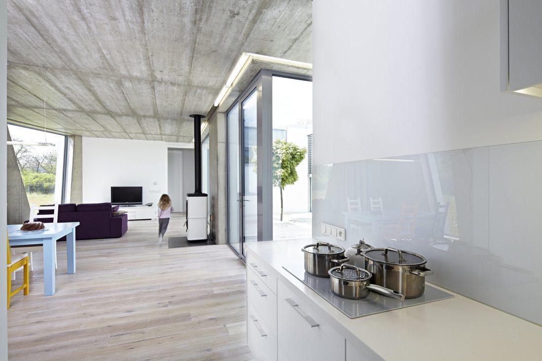 energoefektivnyj-semejnyj-dom-v-chehii-po-proektu-studii-saraa-22