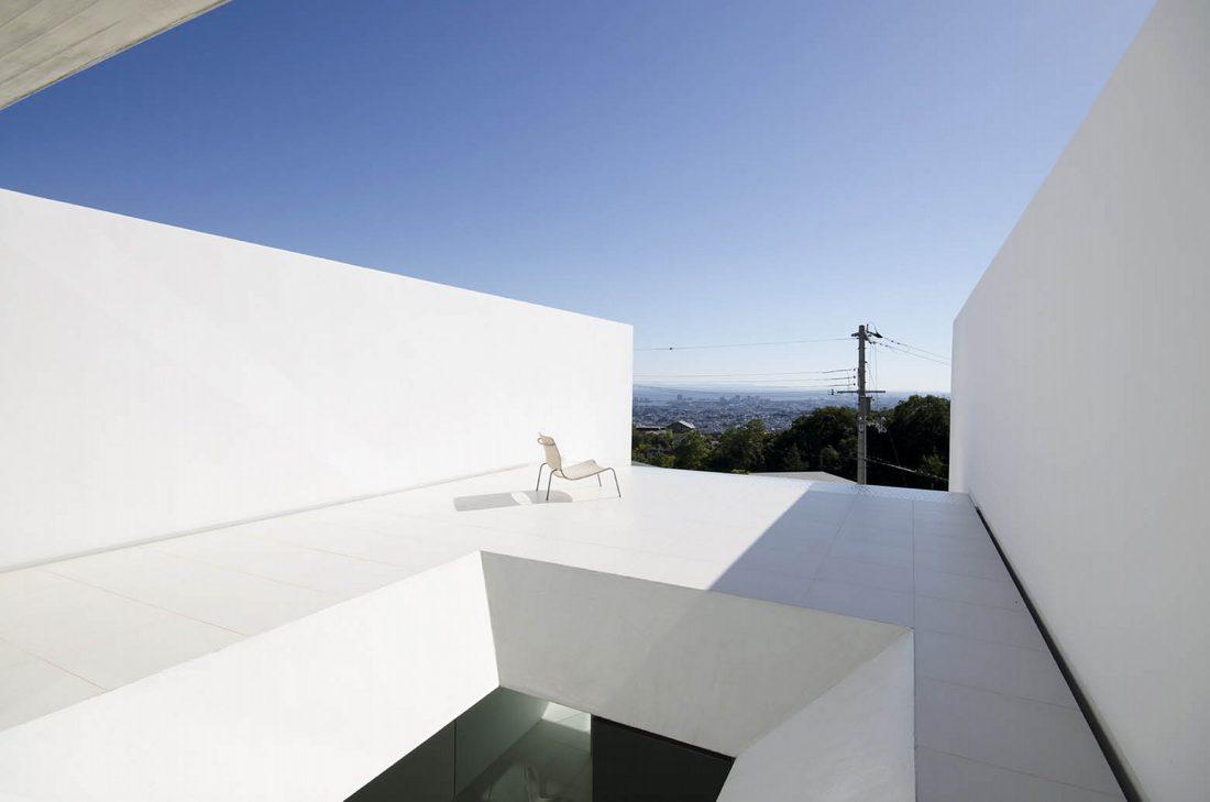 Ya-House - дом в стиле минимализма на склоне холма 2