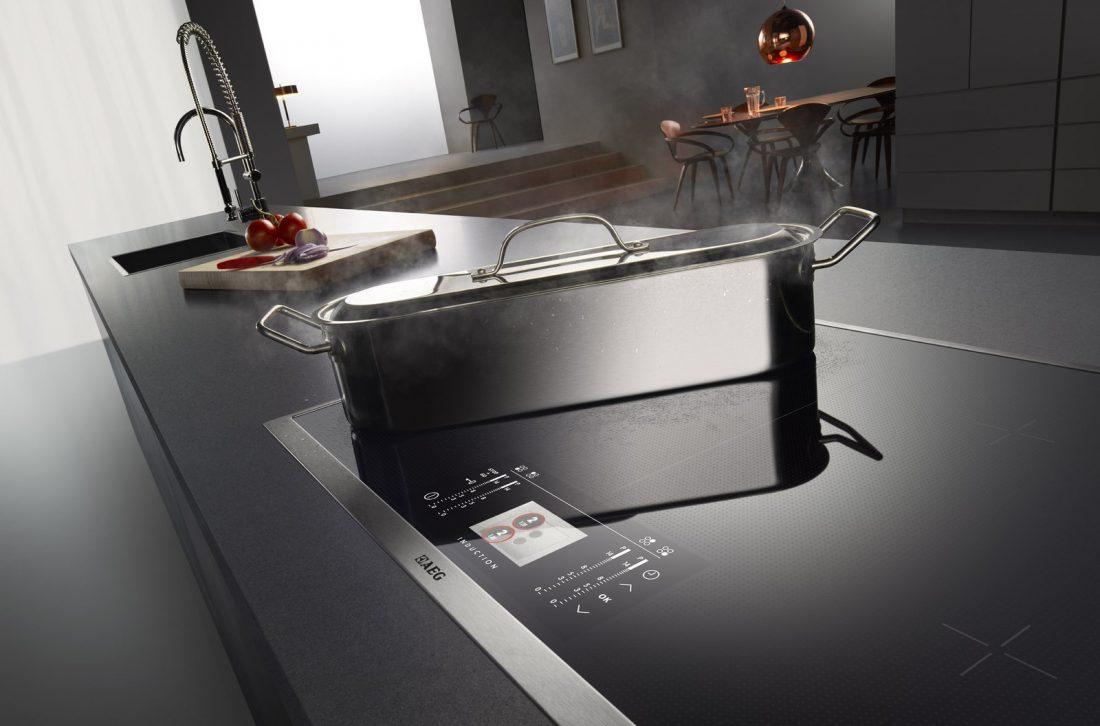 Кухня в стиле хай-тек сенсорная панель управления плитой