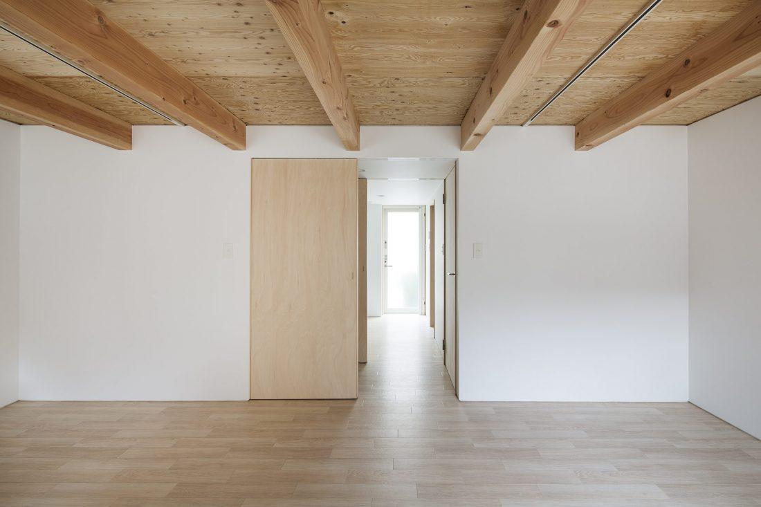 Дом в Токио по системе Shakkanho по проекту Tetsuo Yamaji 12