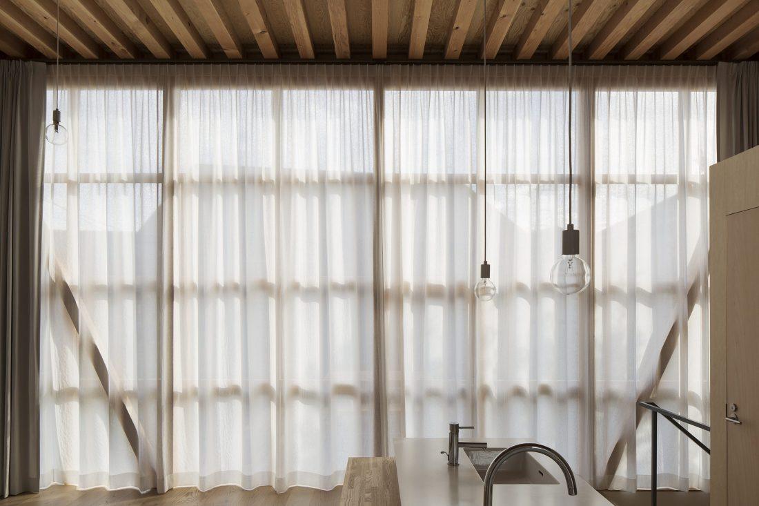 Дом в Токио по системе Shakkanho по проекту Tetsuo Yamaji 6