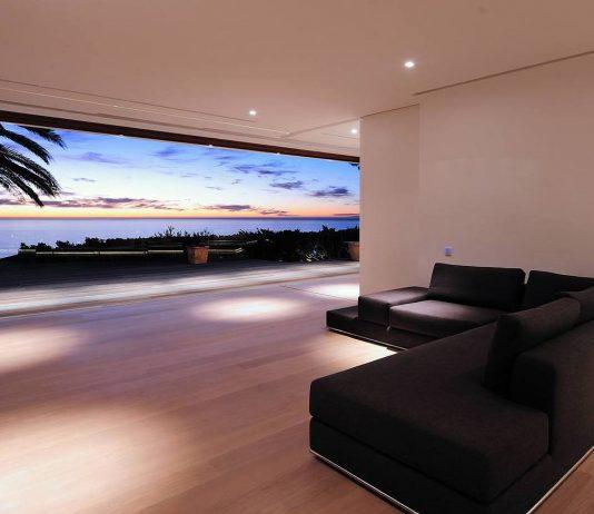 Стиль минимализм — дизайн интерьера гостиной