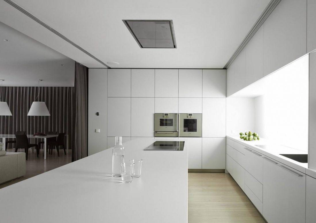 Стиль минимализм — объединенные кухня и столовая