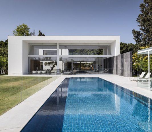 700-kvadratnyh-metrov-sveta-f-house-po-proektu-studii-pitsou-kedem-1