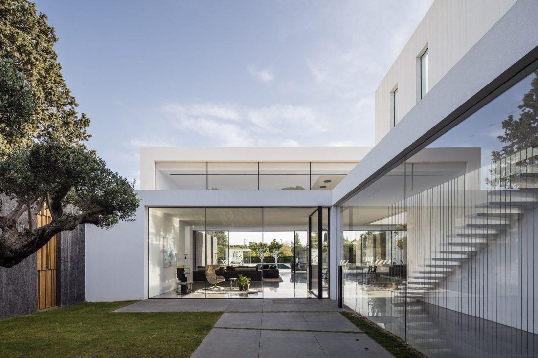 700-kvadratnyh-metrov-sveta-f-house-po-proektu-studii-pitsou-kedem-2
