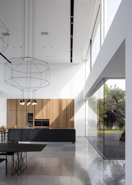 700-kvadratnyh-metrov-sveta-f-house-po-proektu-studii-pitsou-kedem-21