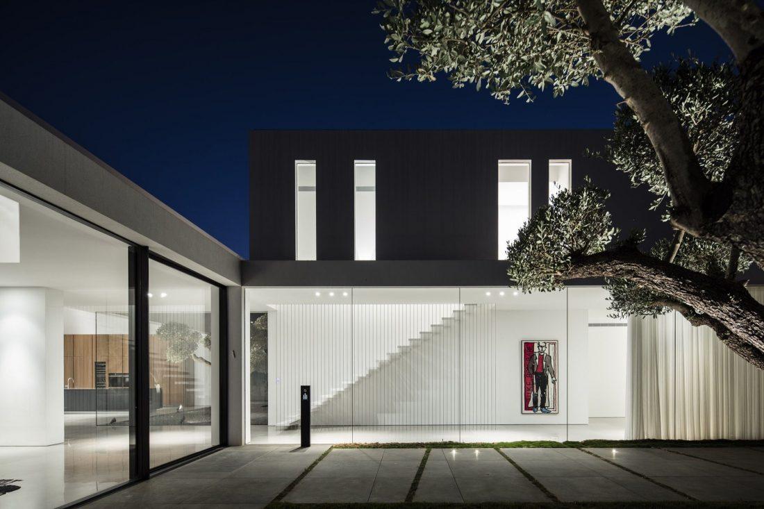 700-kvadratnyh-metrov-sveta-f-house-po-proektu-studii-pitsou-kedem-22