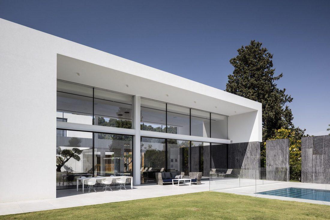 700-kvadratnyh-metrov-sveta-f-house-po-proektu-studii-pitsou-kedem-23