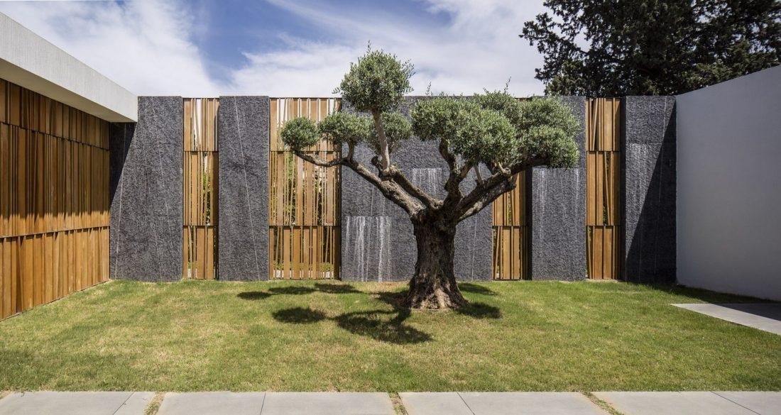 700-kvadratnyh-metrov-sveta-f-house-po-proektu-studii-pitsou-kedem-25