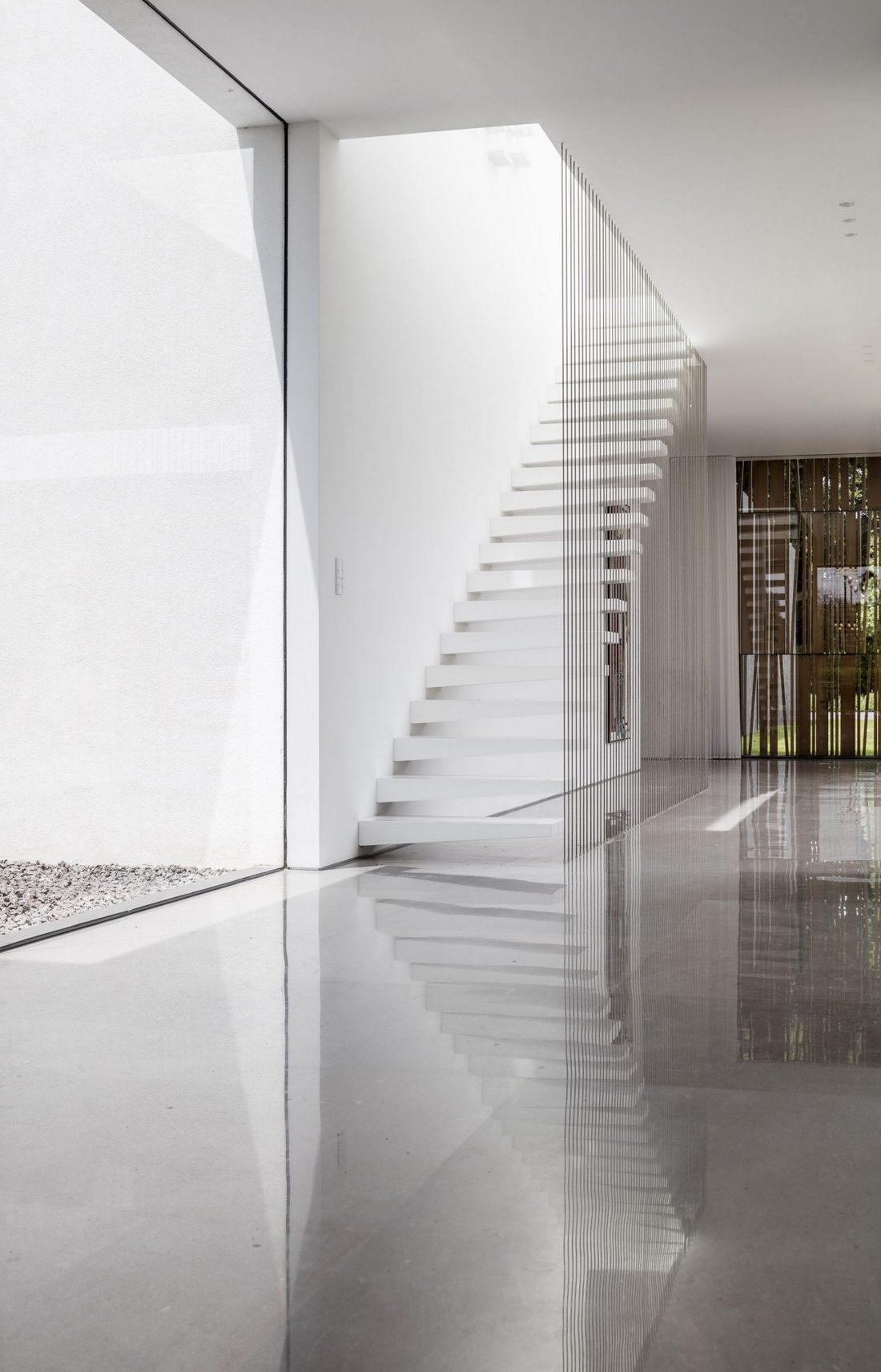 700-kvadratnyh-metrov-sveta-f-house-po-proektu-studii-pitsou-kedem-31