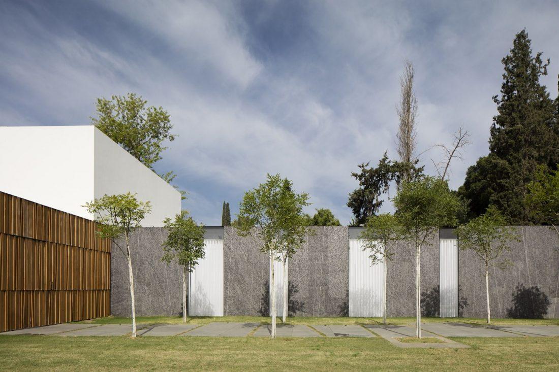 700-kvadratnyh-metrov-sveta-f-house-po-proektu-studii-pitsou-kedem-32