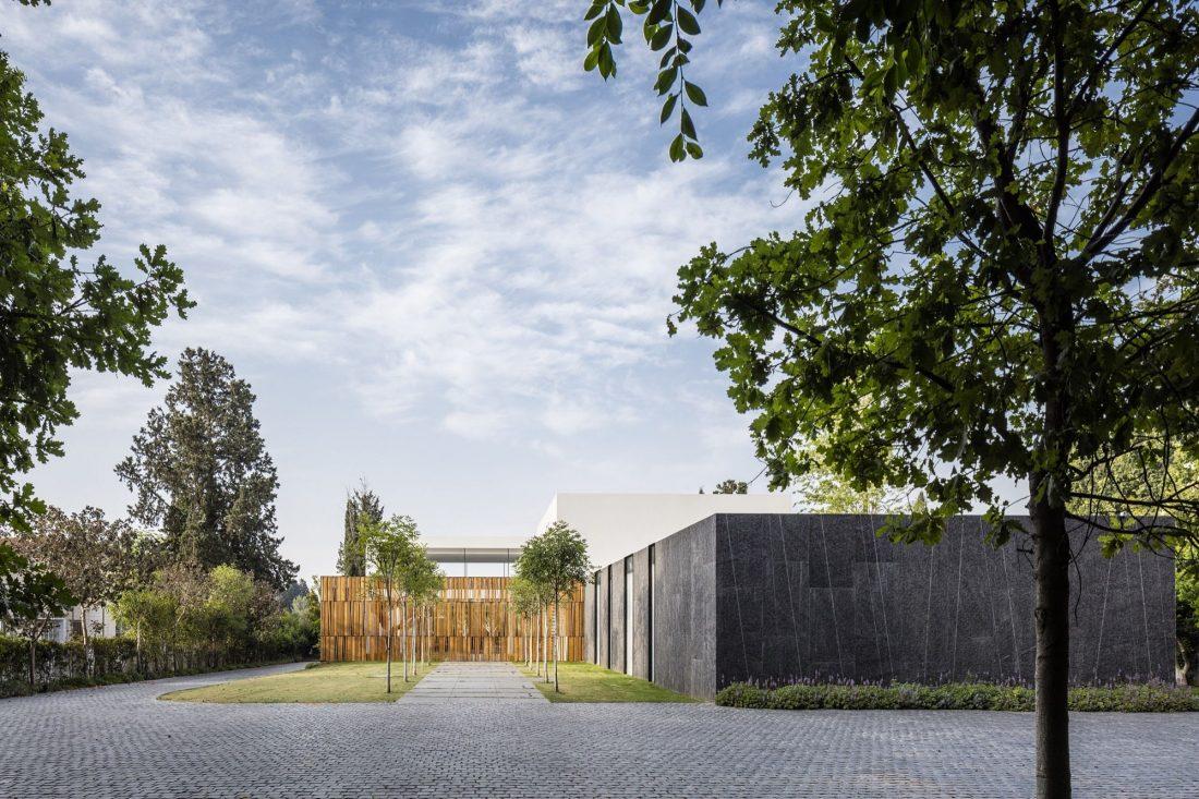 700-kvadratnyh-metrov-sveta-f-house-po-proektu-studii-pitsou-kedem-35
