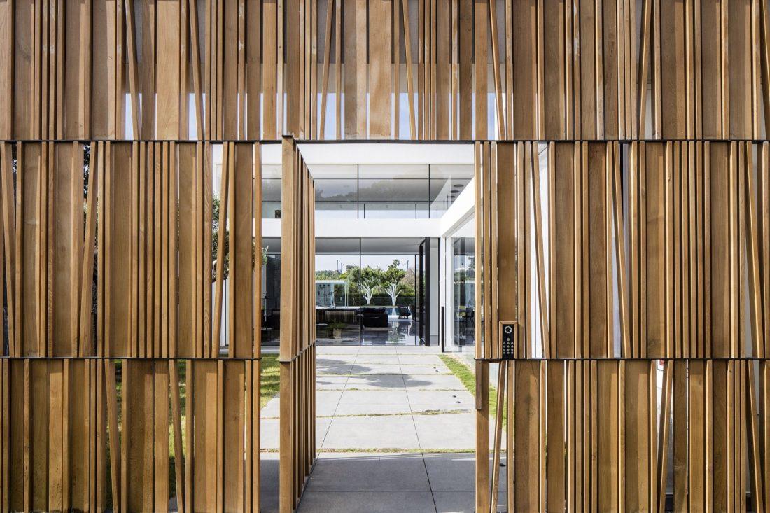 700-kvadratnyh-metrov-sveta-f-house-po-proektu-studii-pitsou-kedem-38