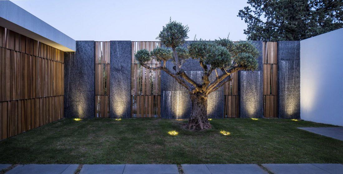 700-kvadratnyh-metrov-sveta-f-house-po-proektu-studii-pitsou-kedem-39