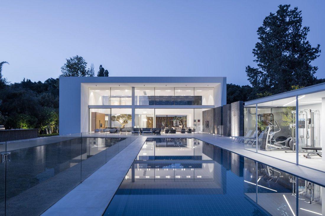 700-kvadratnyh-metrov-sveta-f-house-po-proektu-studii-pitsou-kedem-44