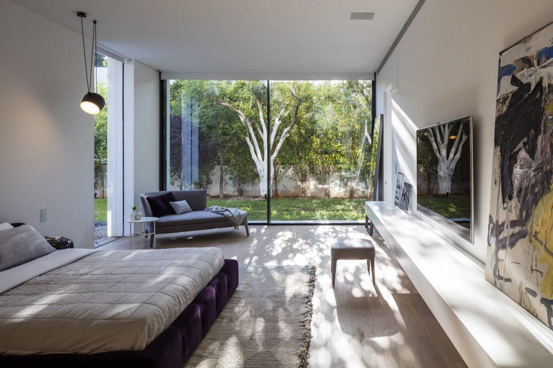 700-kvadratnyh-metrov-sveta-f-house-po-proektu-studii-pitsou-kedem-9