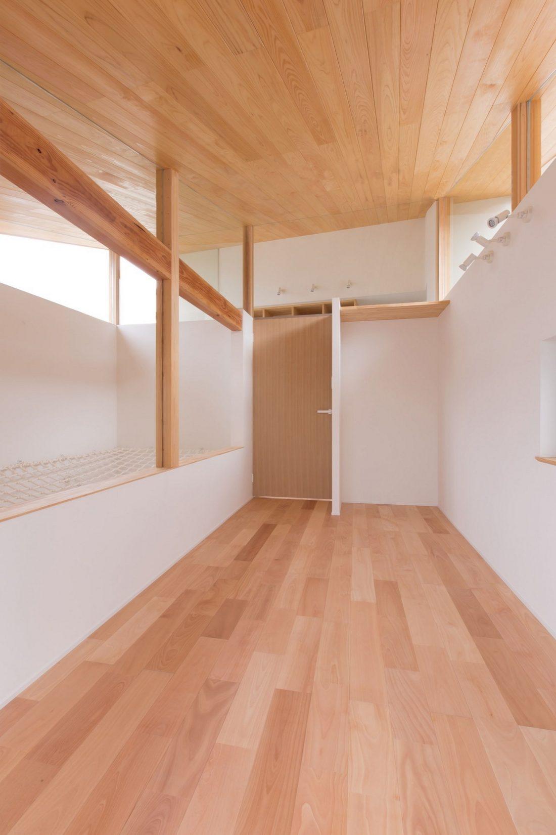 dom-v-stile-yaponskogo-minimalizma-v-kioto-proekt-alts-design-office-10