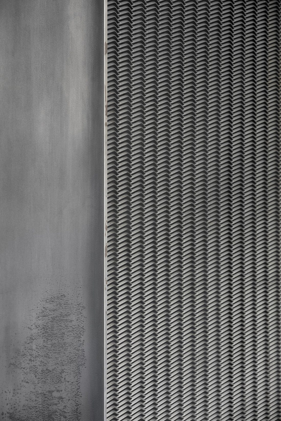 foto-interera-funktsionalnyj-i-sderzhannyj-interer-v-stile-loft-11