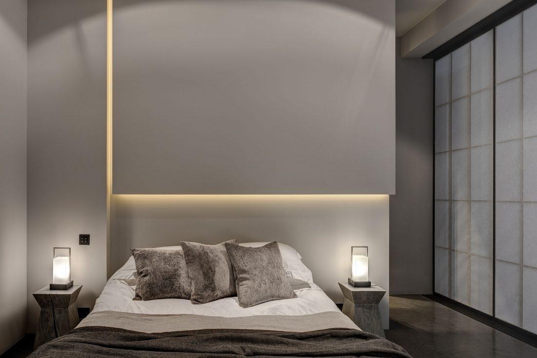 Стиль минимализм в интерьере спальни-7