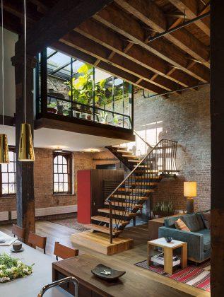 foto-interera-v-stile-loft-kvartira-na-manhettene-4