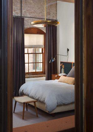 foto-interera-v-stile-loft-kvartira-na-manhettene-9