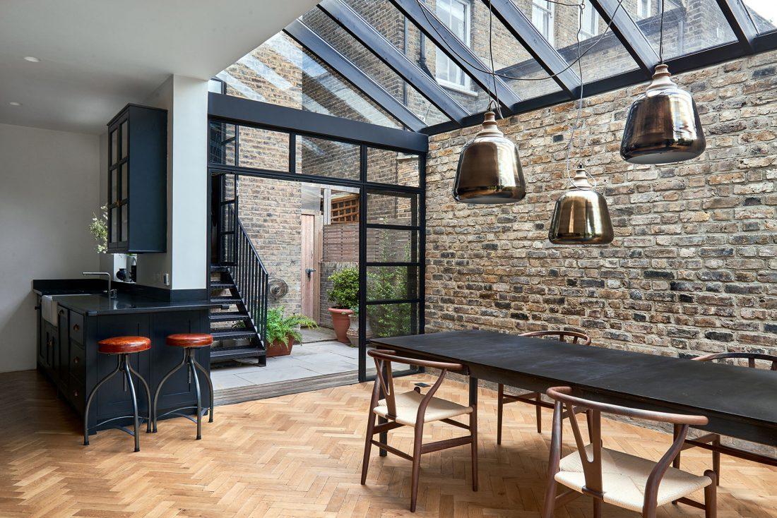 rekonstruktsiya-doma-v-londone-po-proektu-blee-halligan-8