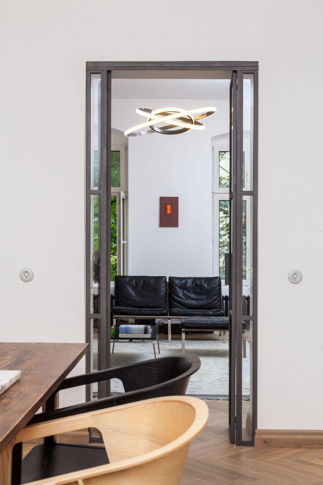 restavratsiya-staroj-kvartiry-v-berline-po-proektu-studii-itay-friedman-19