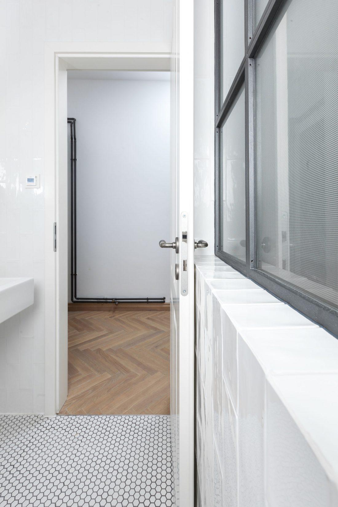 restavratsiya-staroj-kvartiry-v-berline-po-proektu-studii-itay-friedman-27
