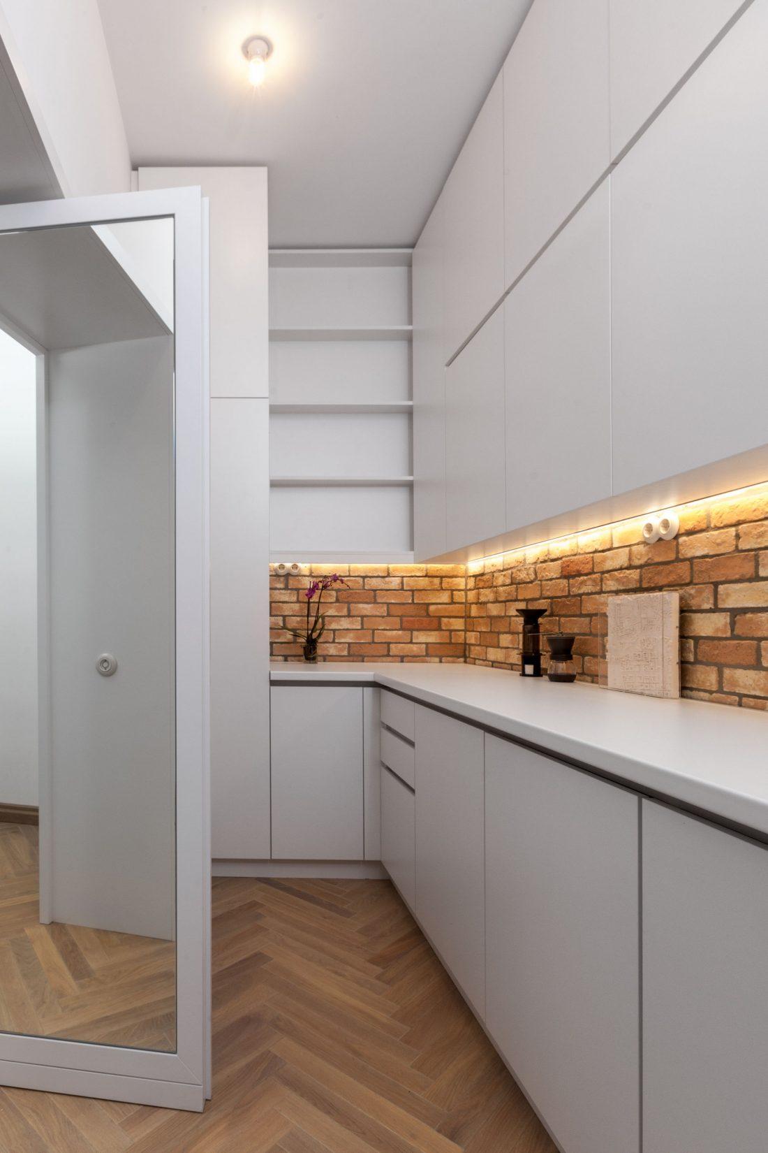 restavratsiya-staroj-kvartiry-v-berline-po-proektu-studii-itay-friedman-5