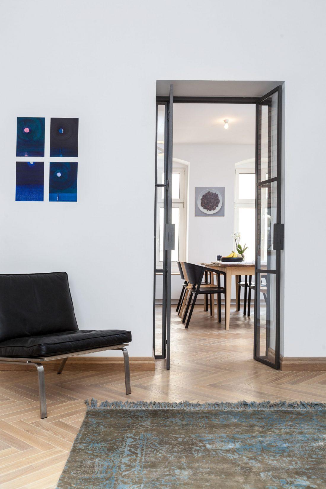 restavratsiya-staroj-kvartiry-v-berline-po-proektu-studii-itay-friedman-6