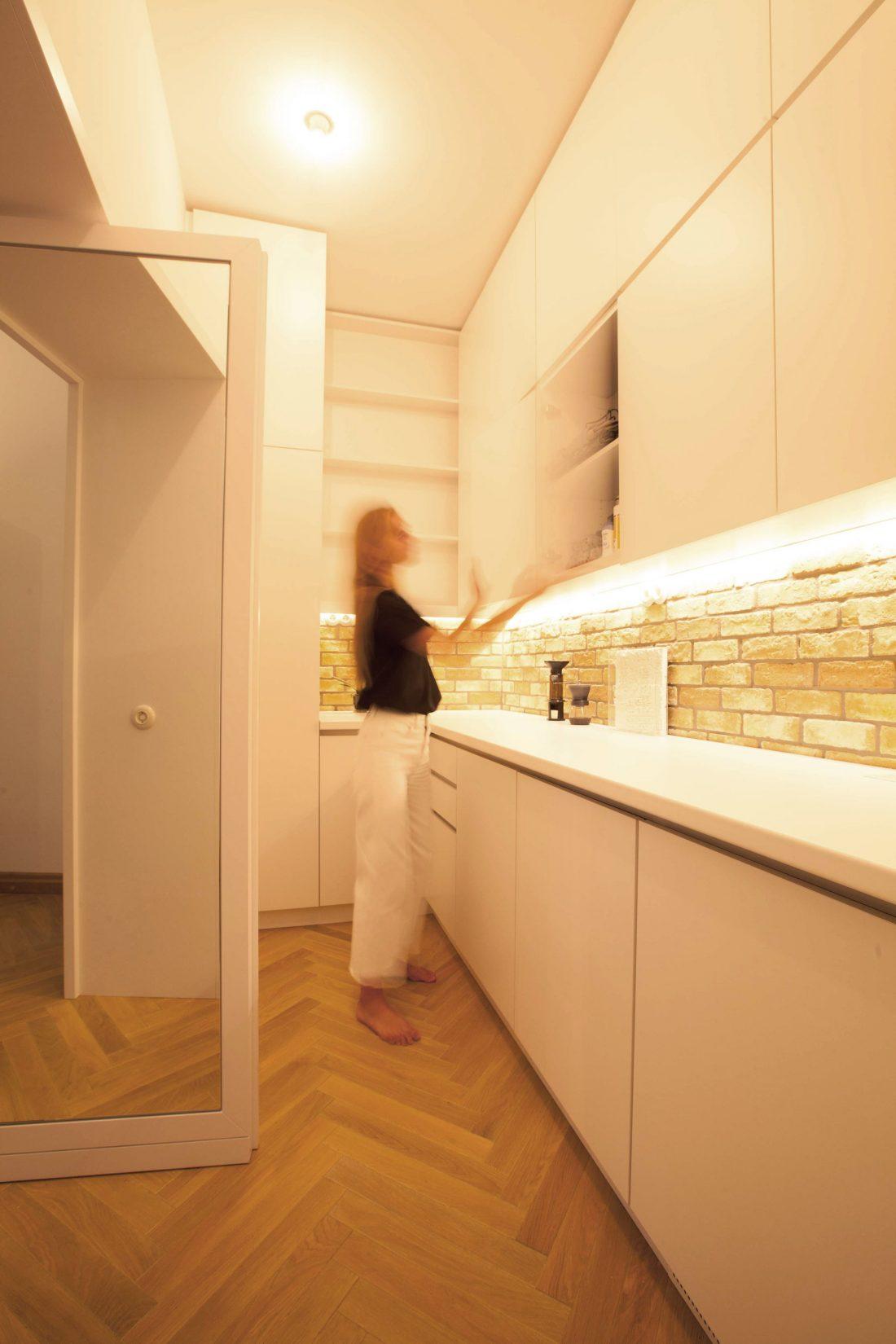 restavratsiya-staroj-kvartiry-v-berline-po-proektu-studii-itay-friedman-7