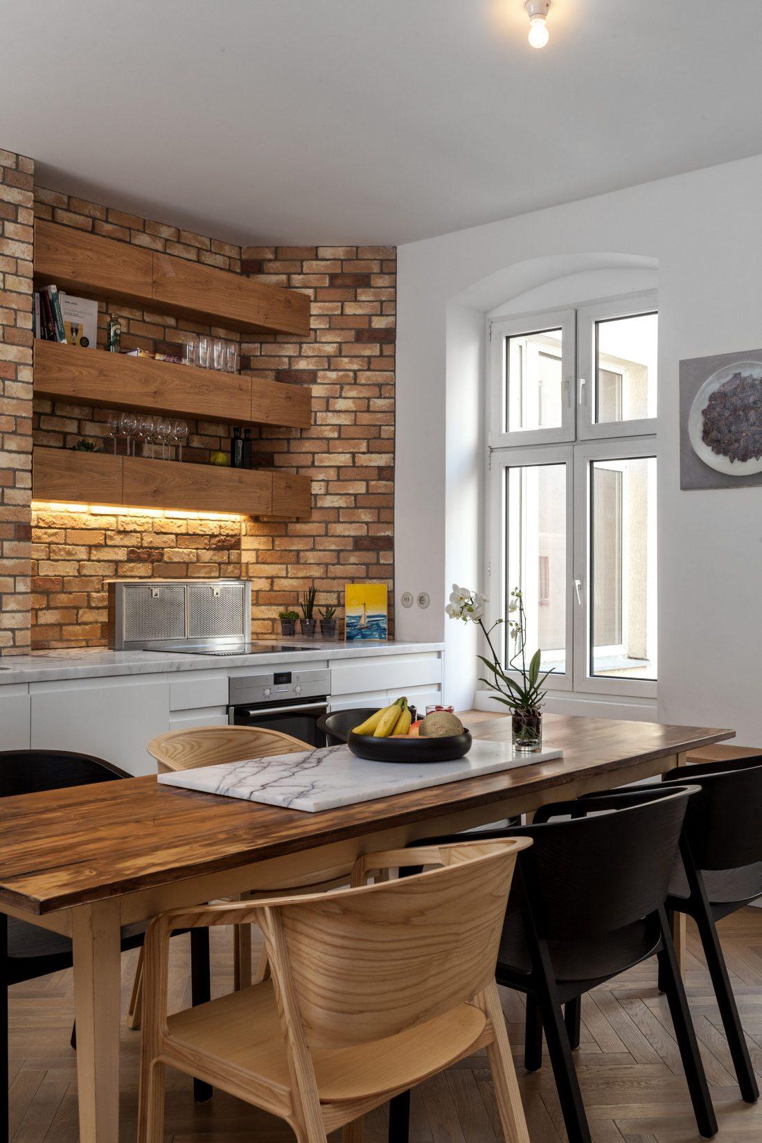 restavratsiya-staroj-kvartiry-v-berline-po-proektu-studii-itay-friedman-9